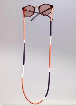 Brillenbänder Little Furniture Assemblage