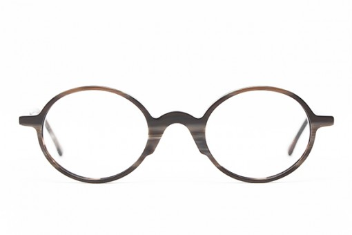 Henau Yooh, oval, brownish gray